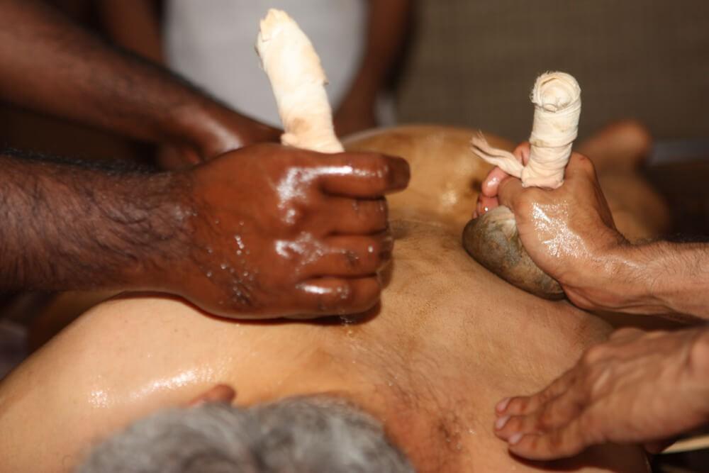 Abhyanga massage with herbals in Vaidyagrama